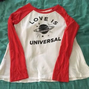 Old navy long sleeve graphic tee love is universal